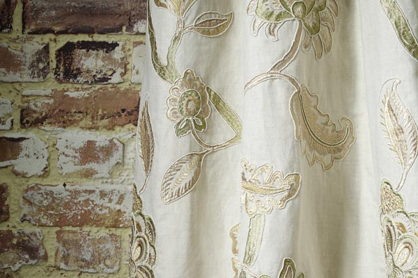 Made to measure curtain