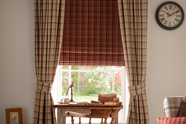 Pattern matched roman blinds
